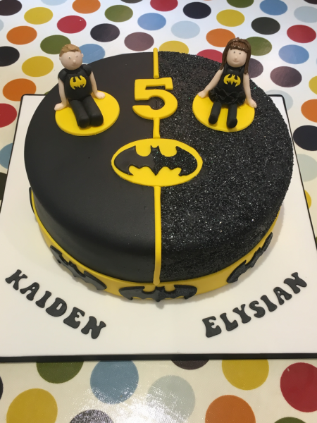 Batman-and-Batgirl-cake