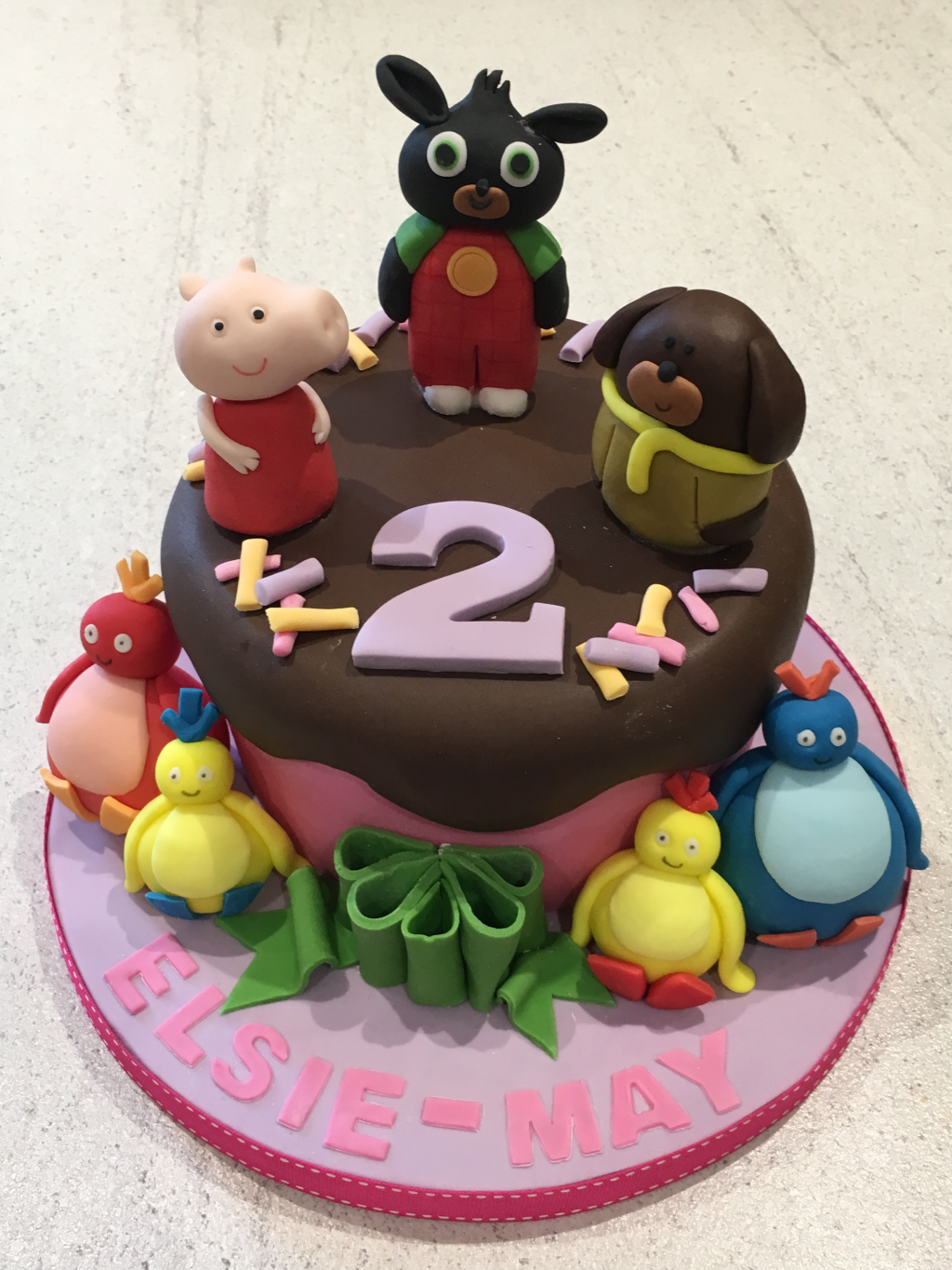 Bing-Duggee-Peppa-pig-and-Twirleywoos-cake