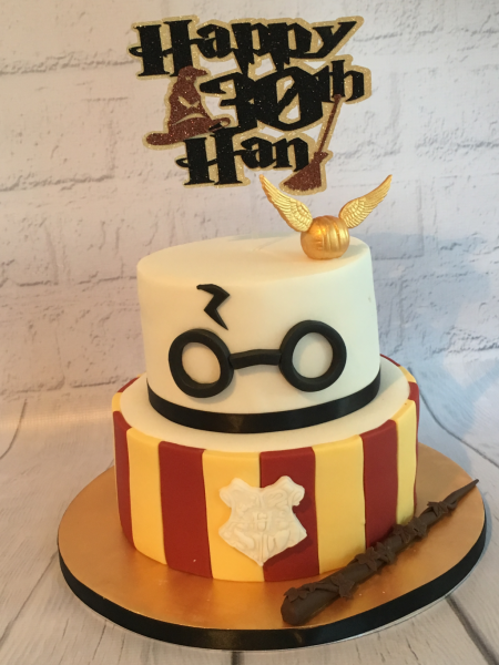 Harry-Potter-two-tier-cake