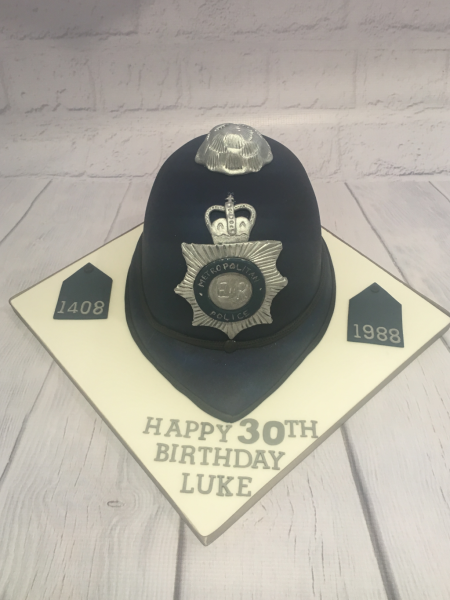 Police-helmet-cake