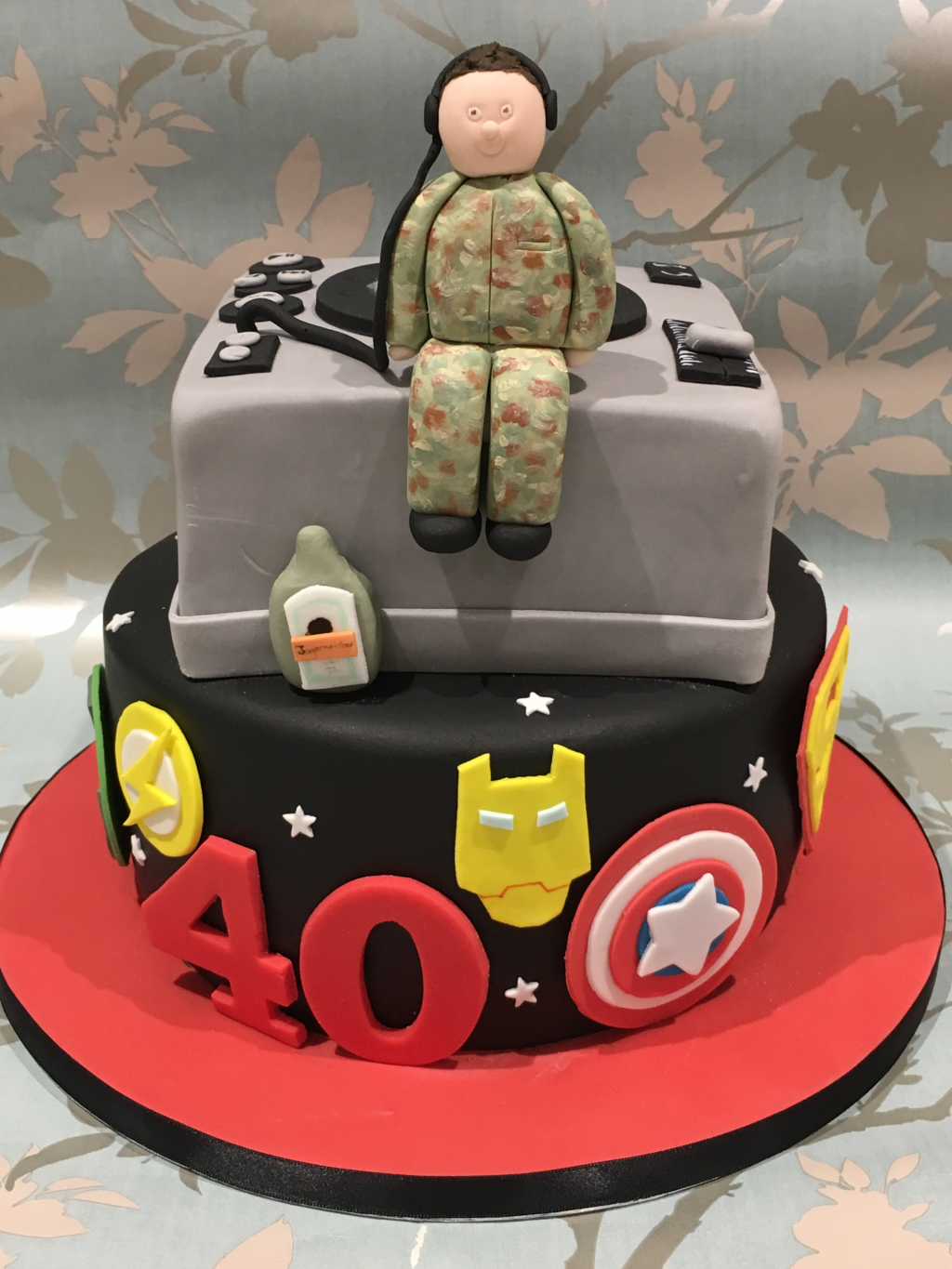 Soldier-record-decks-and-superhero-cake
