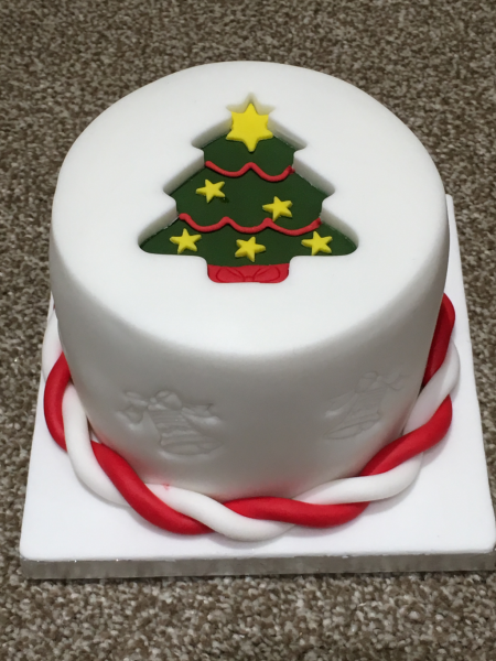 Christmas-tree-cake