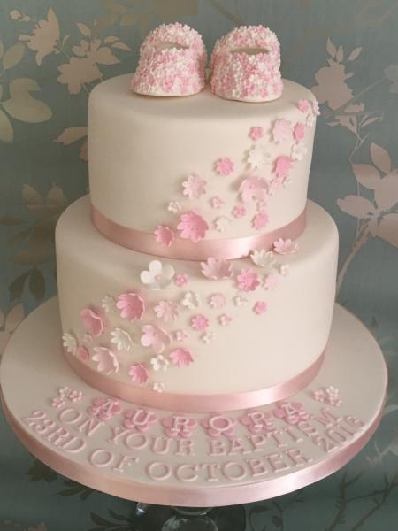 Flowery-booties-baptism-cake