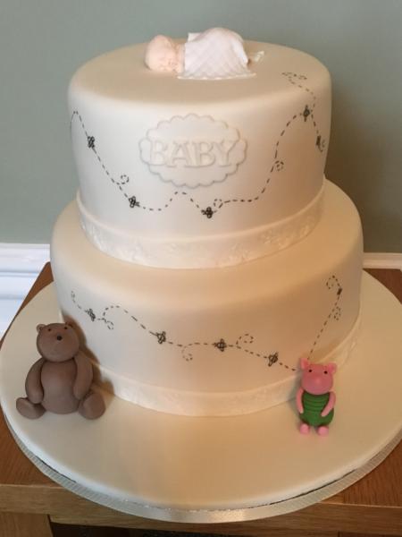 Winnie-the-Pooh-baby-shower-cake