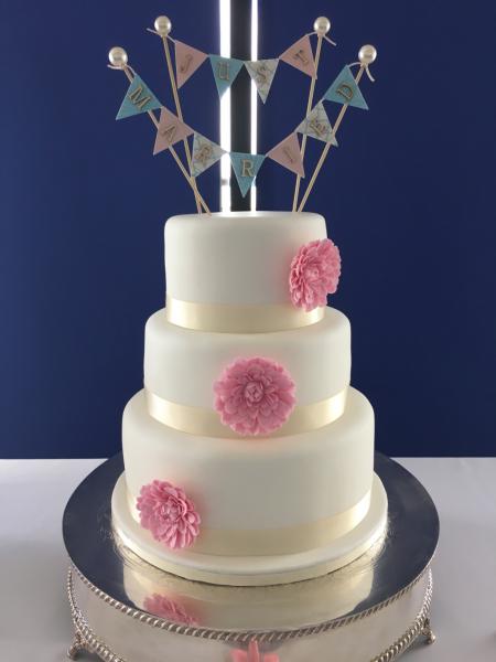 Gerbera-Wedding-Cake