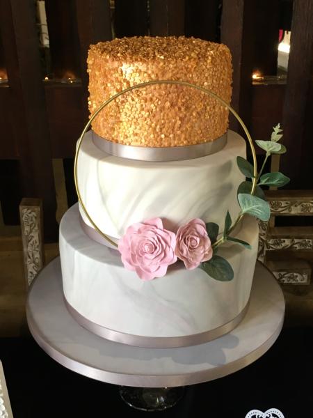 Sequins-and-flower-hoop-wedding-cake